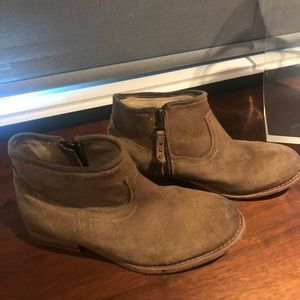 Hinge Suede Ankle Booties SIZE 6.5